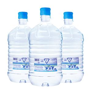 久米島の天然水ボトル